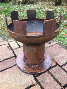 Feuerschale mit Fuß, ca. 32 cm x 38 cm H
