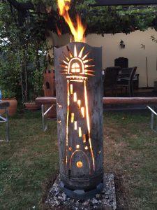 Große Feuertonne Leuchtturm