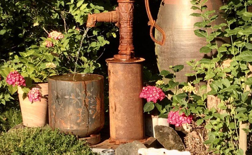 Gartenbrunnen (auch mit Solarpumpen)
